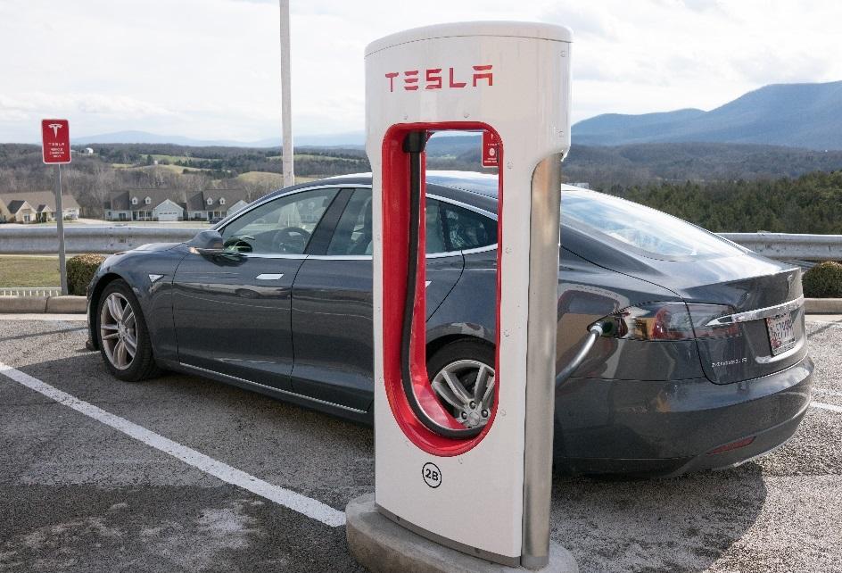 recarga vehículos eléctricos. recarga eléctrica