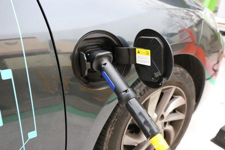 cargar coche electrico